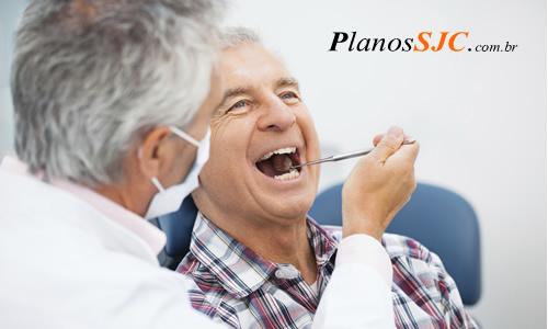 Motivos para entrar em um plano odontológico para idosos